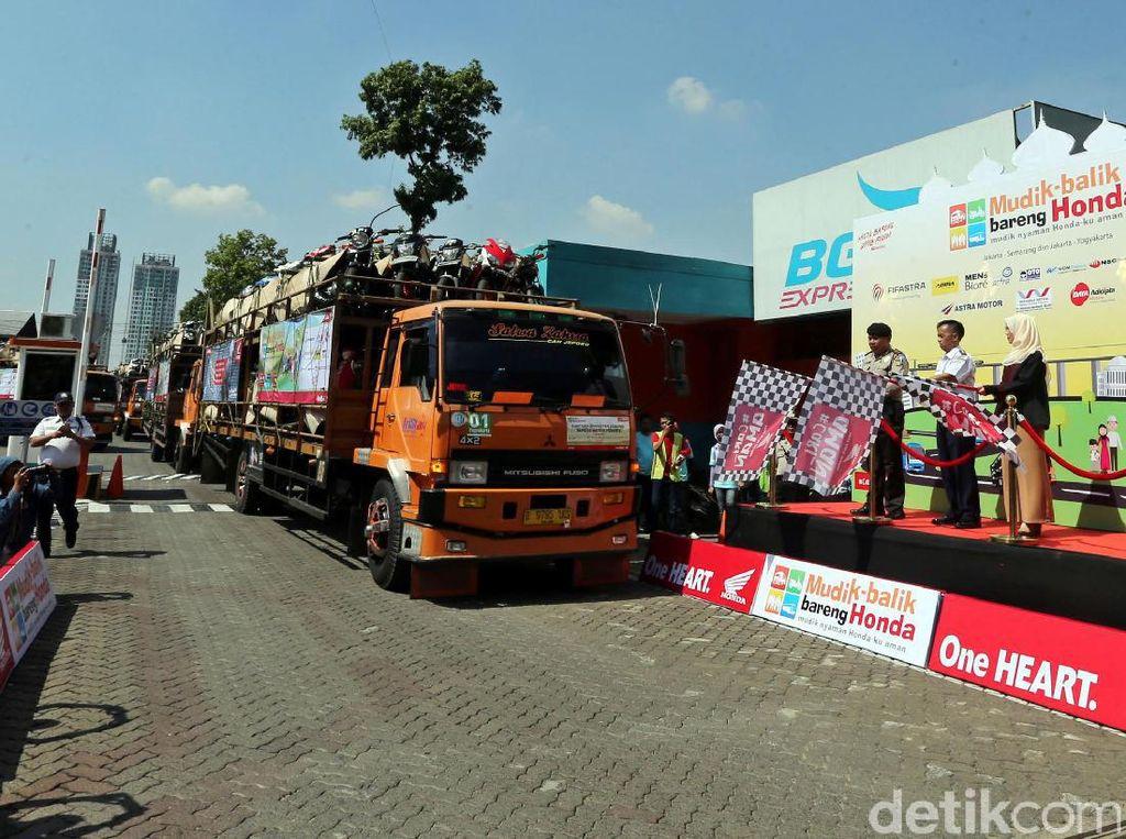 AHM Angkut Ribuan Motor Mudik ke Semarang dan Yogyakarta