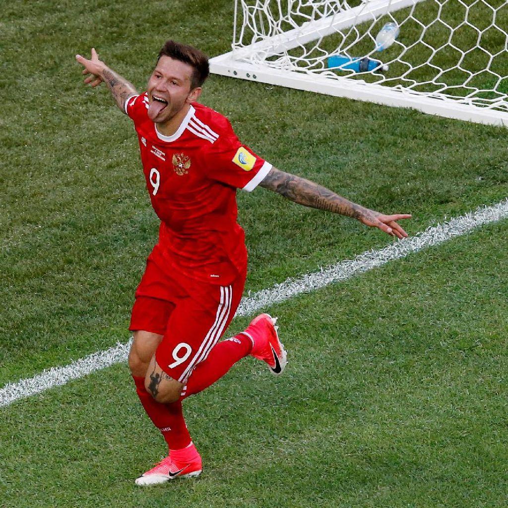 Striker Rusia Ini Ogah Tukaran Jersey dengan Ronaldo