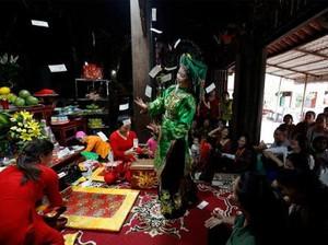 Ritual Mistis di Vietnam: Kesurupan Lalu Menari 7 Jam