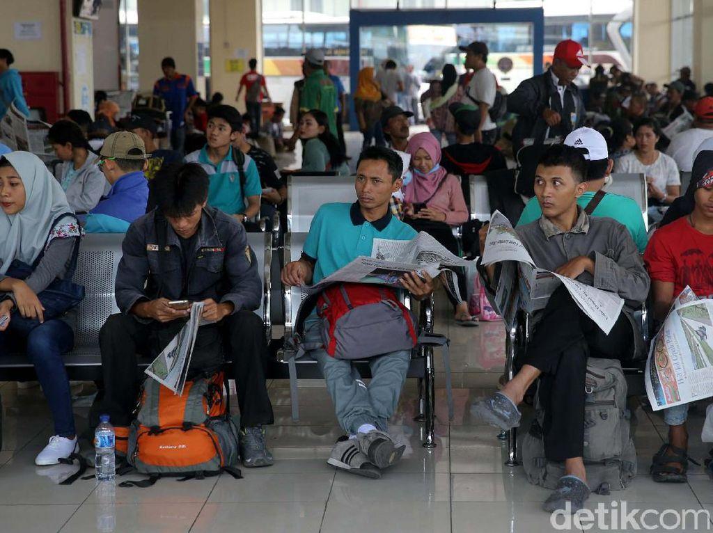 Sudah 23 Ribu Orang Mudik dari Terminal Pulo Gebang