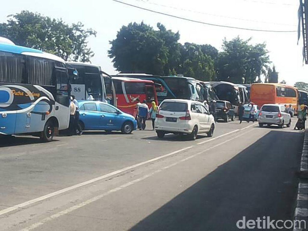 15 Ribu Pemudik Kembali ke Jakarta Lewat Terminal Kalideres