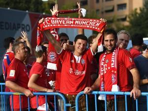 Kisah <i>Mug</i> Bayern Munich Berusia 21 Tahun Milik <i>Fans</i> Sepakbola Asal Inggris