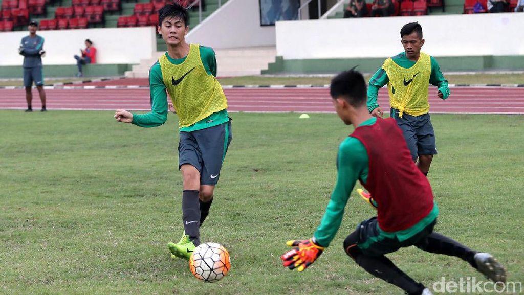 Melihat Latihan Timnas U-16