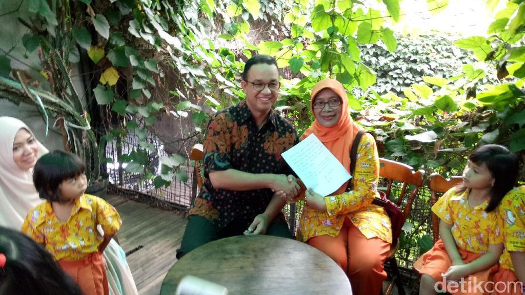Terima Kunjungan Guru PAUD, Anies Janji Naikkan Gaji