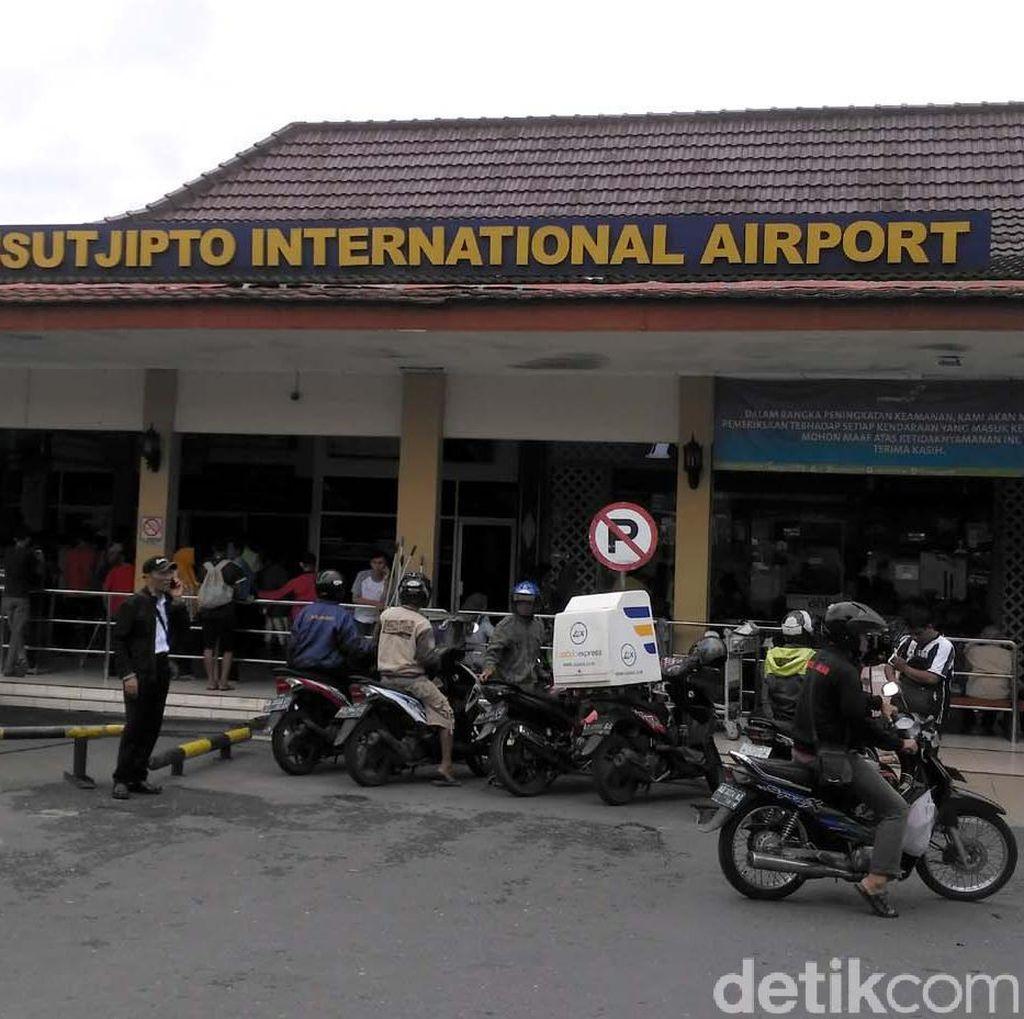 Bandara Adisutjipto Yogya Sajikan Informasi dalam Bahasa Jawa