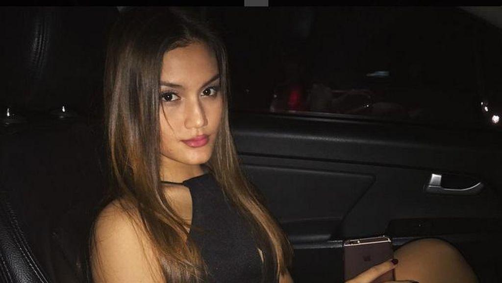 Chelsea Shania, Adik Alexa Key yang Tak Kalah Cantik