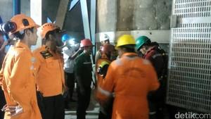4 Orang Masih Terjebak di Cerobong Asap PLTU Palabuhanratu, Kondisinya Lemas