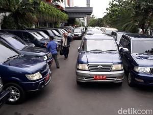 Hapus Kendaraan Dinas Tahun Lama, Pemkot Surabaya Raup Rp 1 Miliar