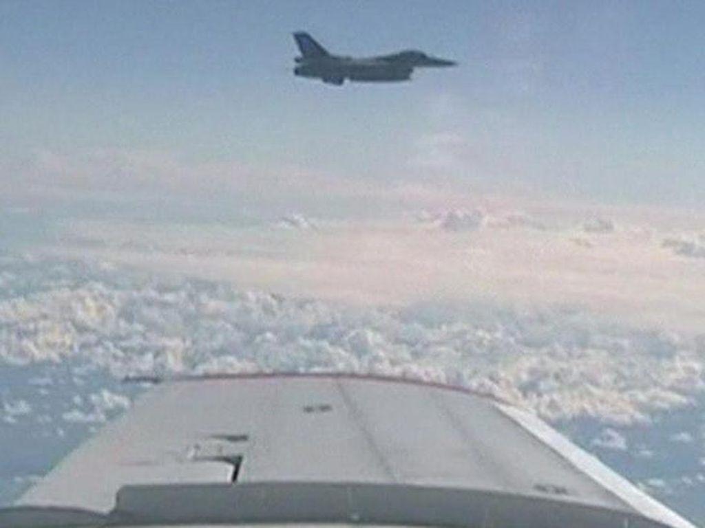 Pesawat Menteri Pertahanan Rusia Dipepet Jet Tempur NATO