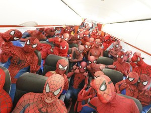 Wow! 40 Spider-Man Naik Pesawat Ini