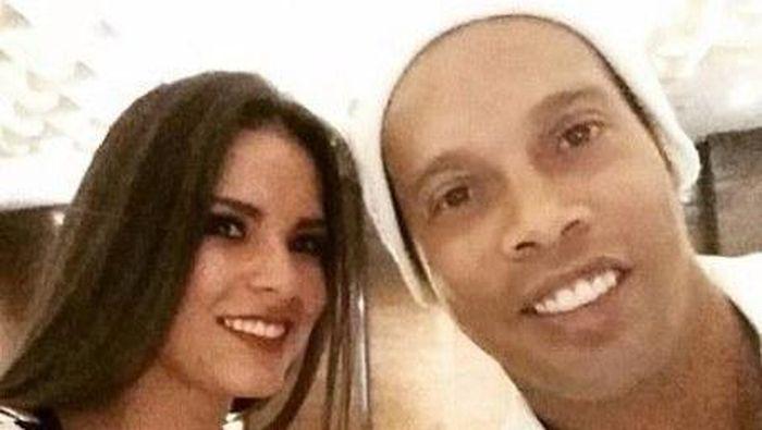 Ania Gadea bersama Ronaldinho (Foto: Instagram)