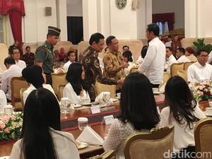 Jokowi Undang YouTuber dan Pegiat Medsos Buka Puasa di Istana