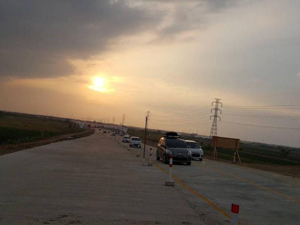 7 Gerbang Exit dan 30.000 e-Toll Disiapkan di Tol Pejagan-Pemalang