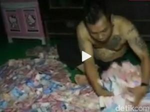 Tetangga Kades Nono yang Tidur di Atas Uang 1 M Bungkam, Takut?