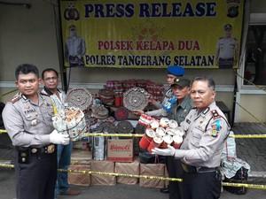 Polisi Sita 345.000 Petasan di Tangerang