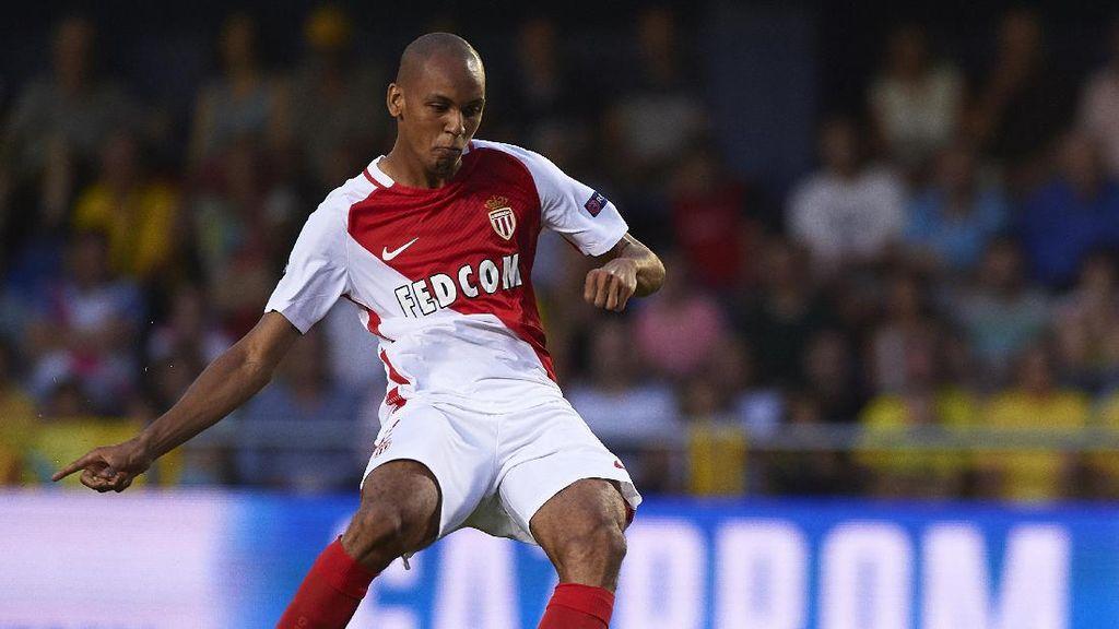 Video Liverpool Pamerkan Pemain Barunya Fabinho
