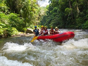 Mau Coba Rafting di Four Seasons Resort Bali at Sayan, Obama?