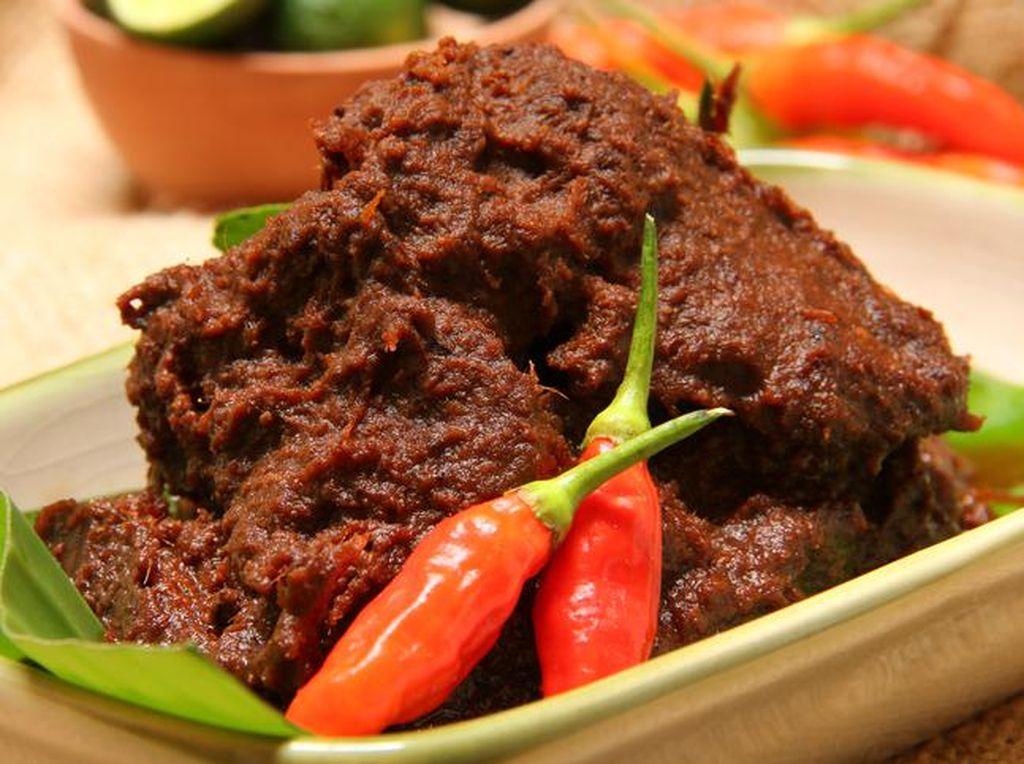 Makanan Khas Indonesia yang Mendunia dari Rendang Hingga Bakwan