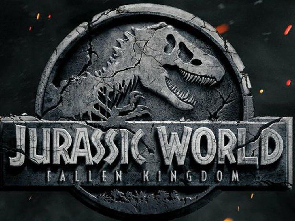 Gunung Meledak Awali Hadirnya Teaser Jurrasic World: Fallen Kingdom