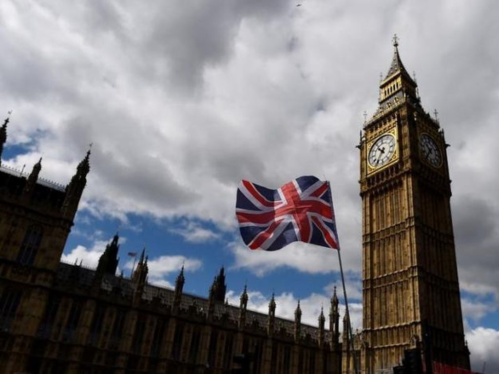 14 Politikus Inggris Dinonaktifkan karena Komentar Anti-Islam di Medsos