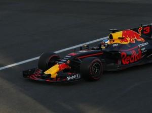 Ricciardo Menangi Balapan di Baku