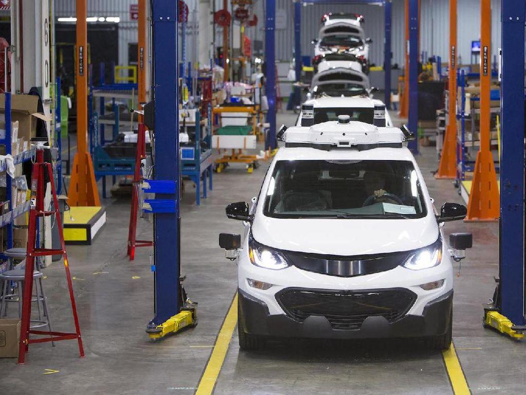 Unit Mobil Self-Driving General Motors PHK 8% Pegawai