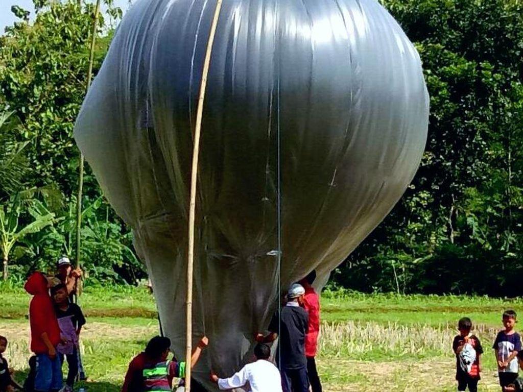 Ini Alasan Kenapa Lepas Balon Udara Bisa Membahayakan Penerbangan