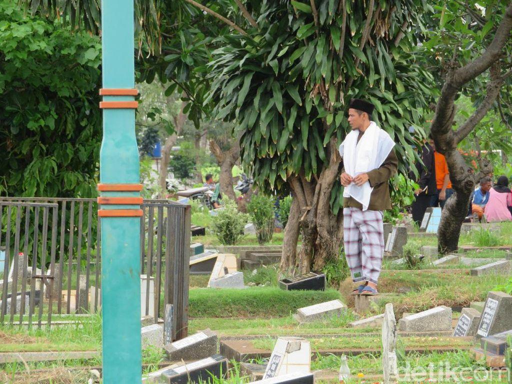 Jelang Ramadhan, Peziarah di TPU Jakbar Dibatasi demi Cegah Corona