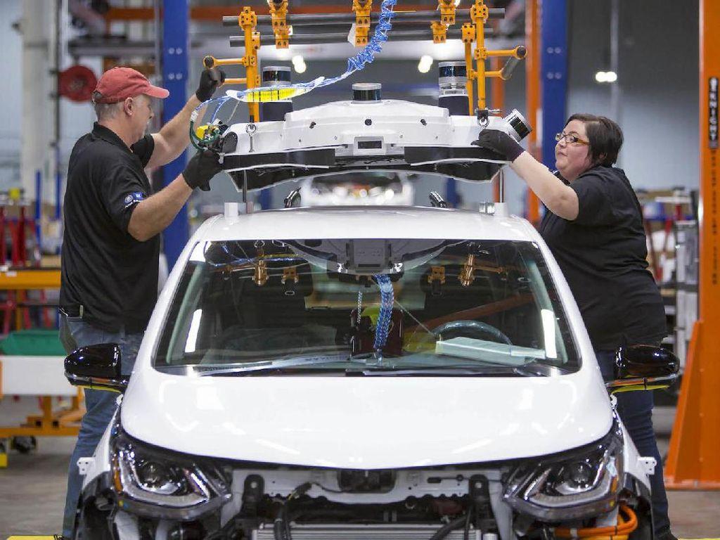 Mantan Bos GM Ramal Industri Mobil Hanya Punya Waktu 20 Tahun Lagi