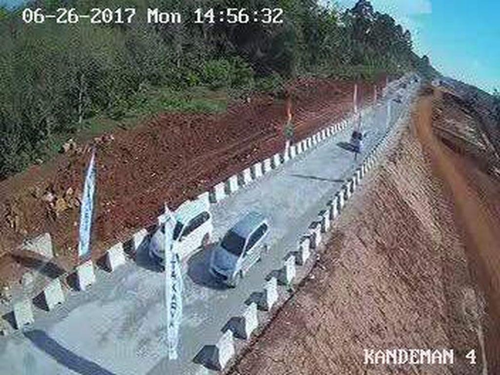 H+1 Lebaran, 8.314 Mobil Lintasi Tol Darurat Brebes-Gringsing
