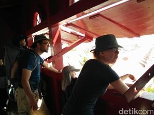 Menara Pandang Syahbandar Penjaringan Pikat Bule dan Warga Jakarta