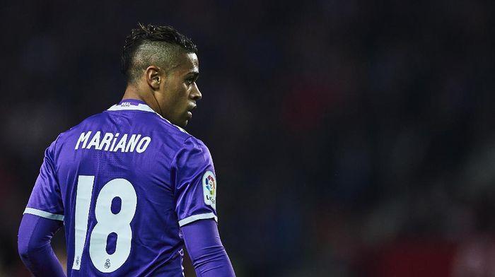 Mariano Diaz kenakan nomor punggung tujuh setelah dipulangkan Real Madrid. (Foto: Aitor Alcalde/Getty Images)