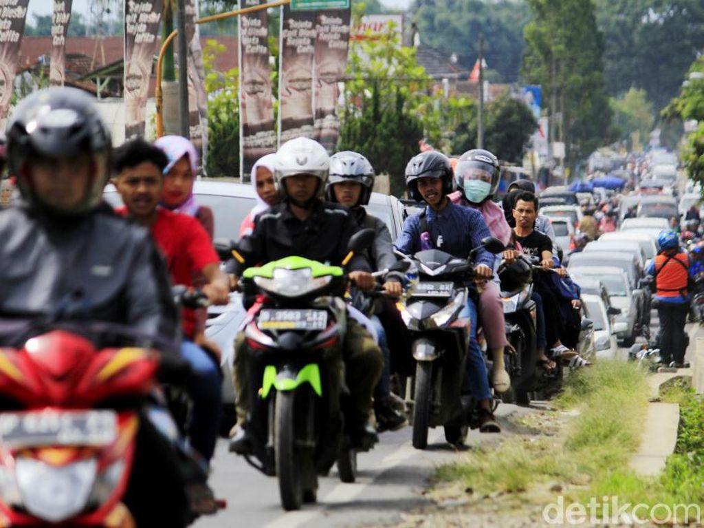 Jelang Tahun Baru, Polisi Siaga di Jalur Wisata Ciwidey