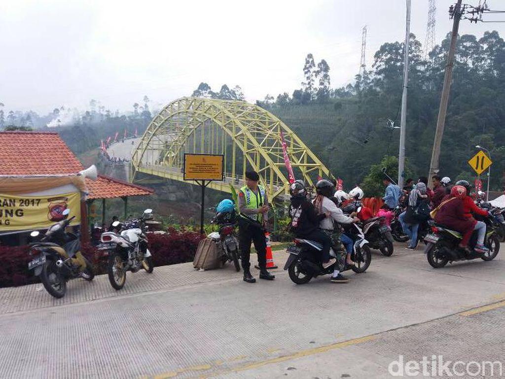 Polsek Ibun Siapkan Ojek dan Taksi Gratis di Lingkar Kamojang