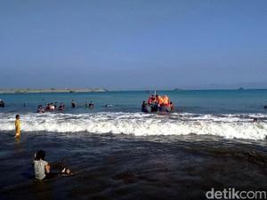 Ayah dan Anak Terseret Ombak Teluk Palabuhanratu, Satu Ditemukan Tewas