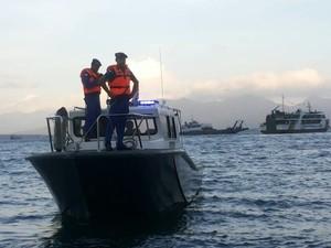 Pencarian Penumpang Kapal yang Jatuh di Selat Bali Dilanjut Besok