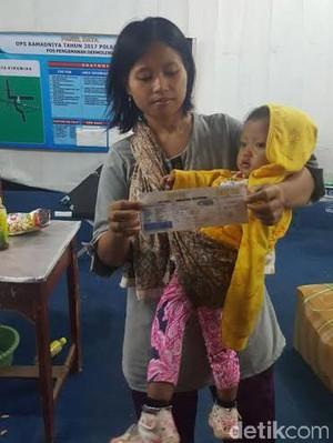 Keterlaluan! Pemudik Wanita Bawa Bayi Dipaksa Turun di Jalan