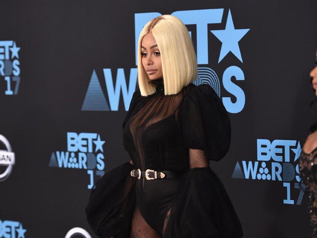 Blac Chyna Gugat Seluruh Keluarga Kardashian karena Kehilangan Pekerjaan