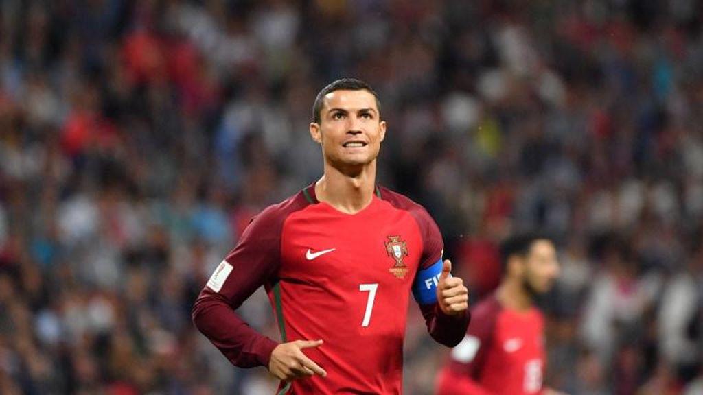 Cristiano Ronaldo Benarkan Sang Kekasih Hamil Anaknya