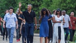 Usai Nikmati Bukit Becici, Obama Lahap Makan Mi Lethek Asli Bantul