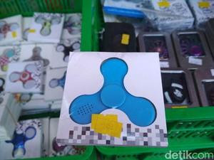 Mainan Penghilang Stres Ini Laris Manis di Pasar Gembrong
