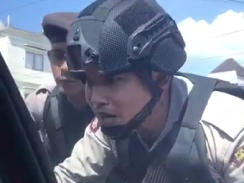 Viral Polisi Bentak Pengendara Mobil yang Tersesat di Solo