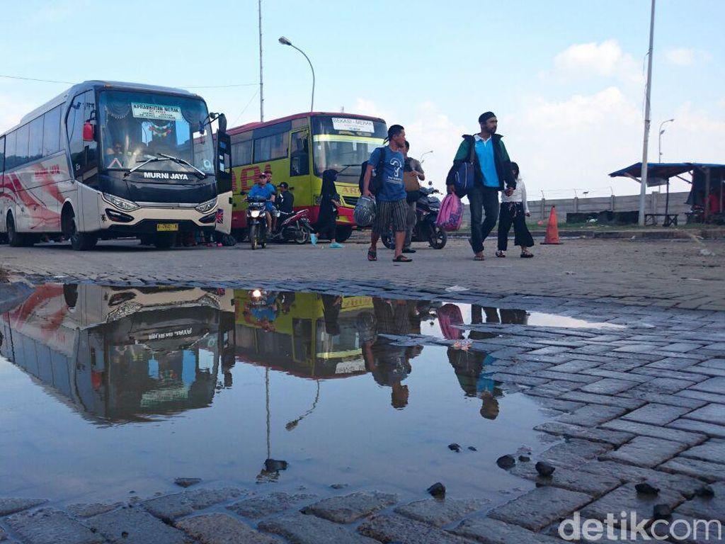 Polisi Minta Dishub Banten Surati PO agar Tiada Bus Nyeberang ke Lampung