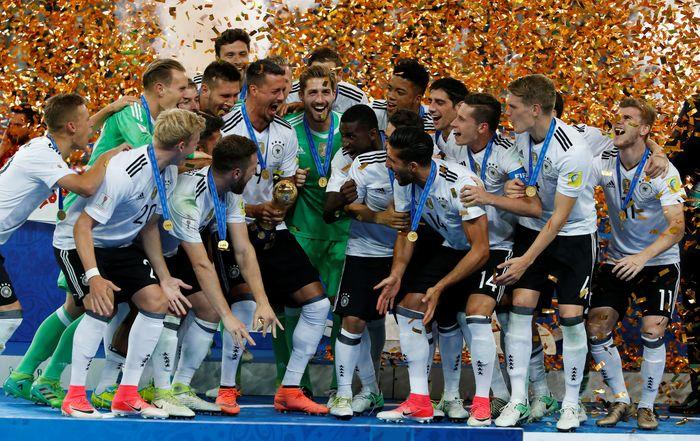 Jerman menggendong gelar juara setelah menis tipis 1-0. REUTERS/Grigory Dukor.