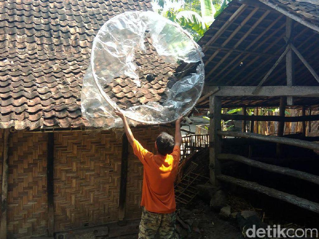 Balon Udara Jatuh Timpa Rumah Warga di Gunungkidul