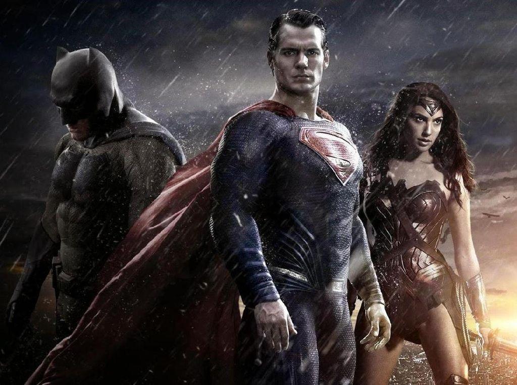 Wonder Woman Superior Dibanding Film DC Comics Lain