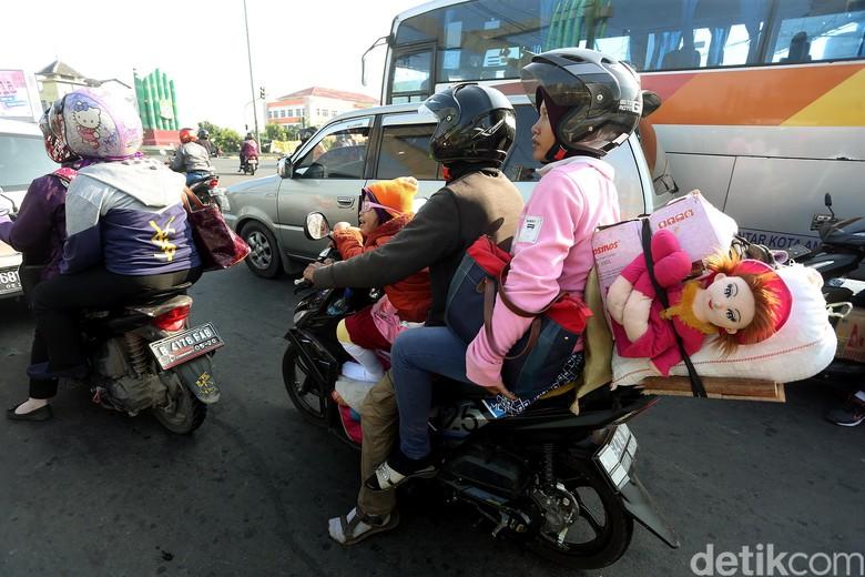Perlu Ada Larangan Bawa Anak-anak Saat Mudik Naik Motor?