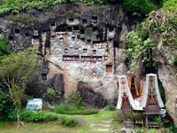 Tana Toraja yang populer dengan ritual pemakamannya (Dewi Lina/d'Traveler)