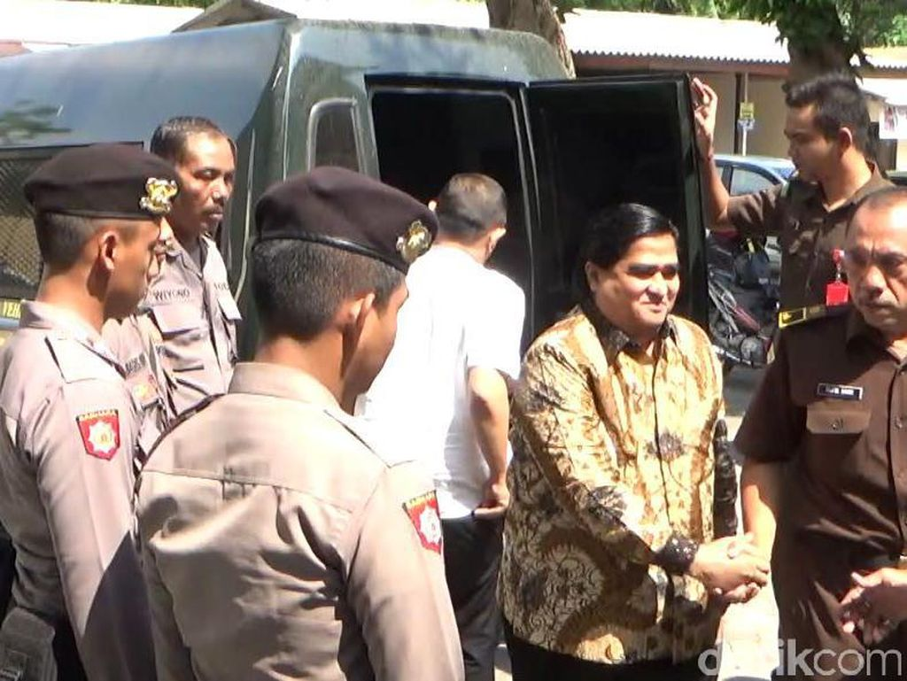 Penampilan Berbeda Dimas Kanjeng dalam Sidang Tuntutan, Ini Fotonya