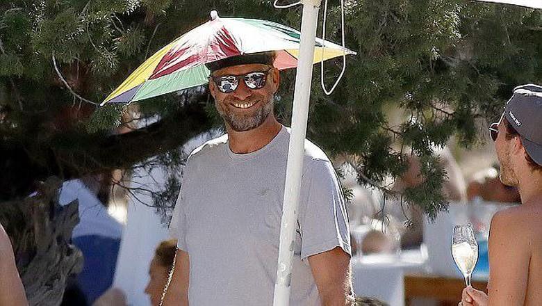 Asyiknya Liburan Klopp di Ibiza